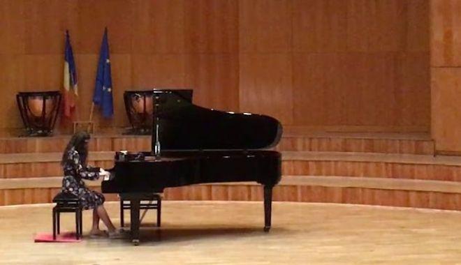 """Foto: Noi premii pentru micii pianiști de la Colegiului Național de Arte """"Regina Maria"""""""