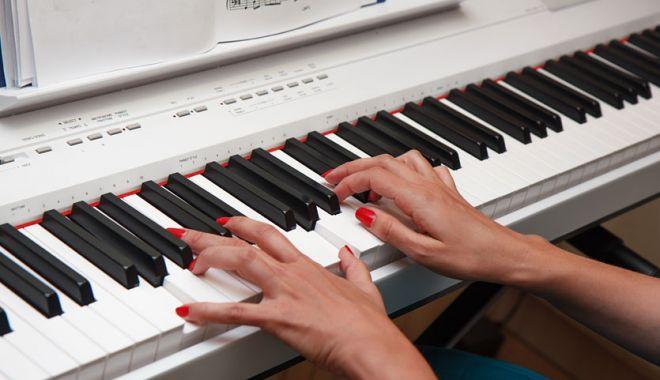 """Foto: Concursul Național de Interpretare Pianistică – """"PIANO ART"""".  la Constanţa"""