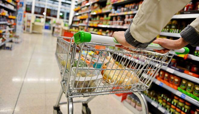 Foto: Românii dau cei mai mulți bani pe mâncare din UE
