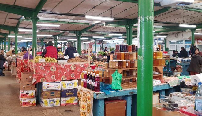 Profitorii încep să facă legea în piețele din Constanța! - piata1-1584438115.jpg