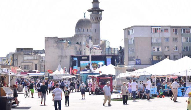 """Foto: Ofertă culturală pentru toate gusturile, la Festivalul """"Miturile Cetăţii"""""""