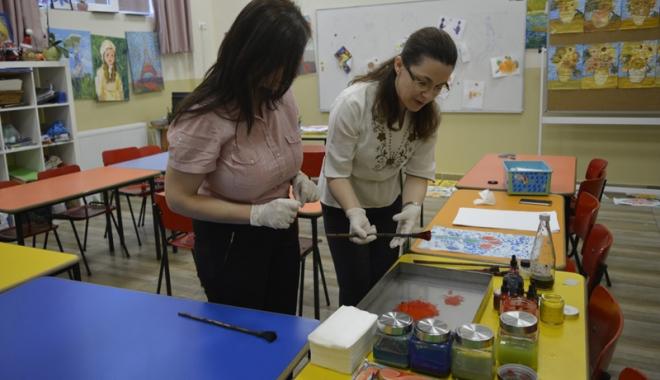 Foto: Muzeul de Istorie organizează  atelier de pictură pentru nevăzători