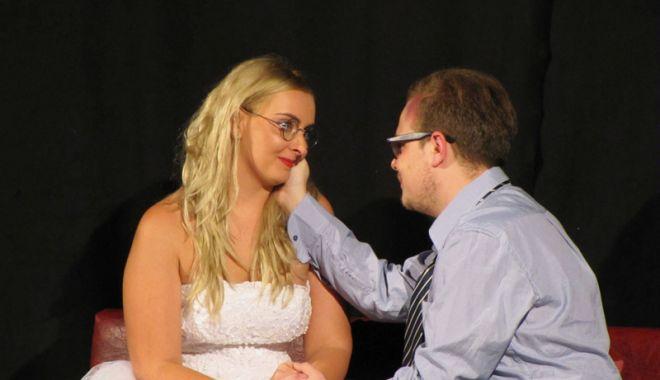 """Foto: """"Divorţ în ziua nunţii"""", o comedie pe care o puteți vedea la """"Harlequin"""""""