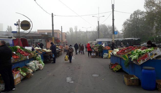 Situaţie disperată în pieţe! Producătorii nu vor să-şi vândă marfa în stradă - piete2-1604946425.jpg