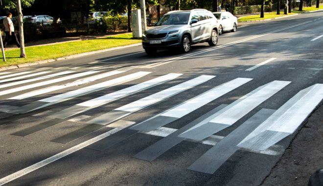 Fetiță de 5 ani, lovită în timp ce încerca să traverseze strada - pietoni-1631884884.jpg