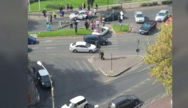 Foto: Accident rutier grav! Pietoni spulberați pe trecerea de pietoni