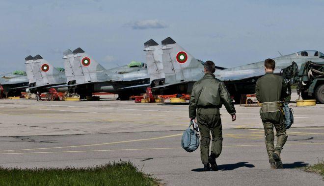 Mişcare surprinzătoare la baza Kogălniceanu. Cine vine să întărească flancul estic al NATO - piloti-1524579814.jpg