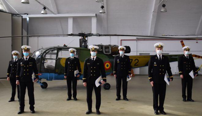 Cei mai recenți piloți navali se perfecționează la Grupul de Elicoptere de la Tuzla - pilotinavali1-1614799834.jpg