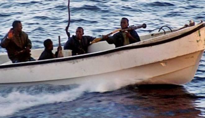 Foto: Piraţii au încercat să abordeze un petrolier,  în Marea Chinei de Sud