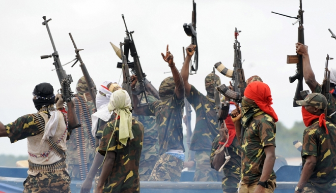 Foto: Piraţii din Vestul Africii sunt tot mai violenţi