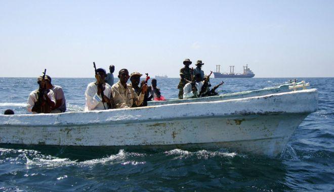 Foto: În primul semestru al anului 2018 Pirații au abordat 69 de nave și au luat ostatici 102 marinari