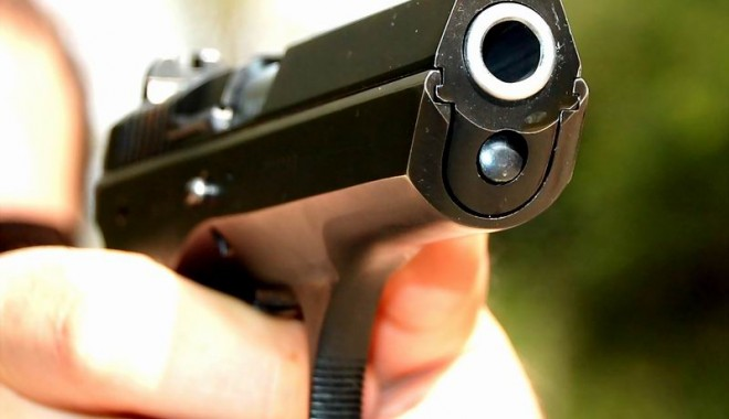 Foto: Lăsaţi de Poliţie fără pistoale!