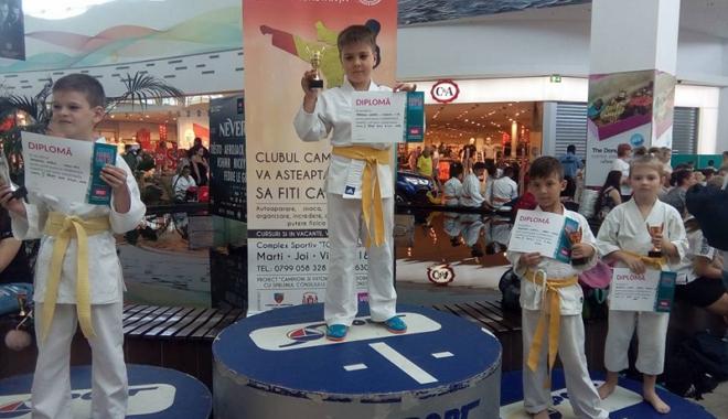 Foto: Peste 250 de karateka,  la Dobrogea Karate Cup - VIVO!