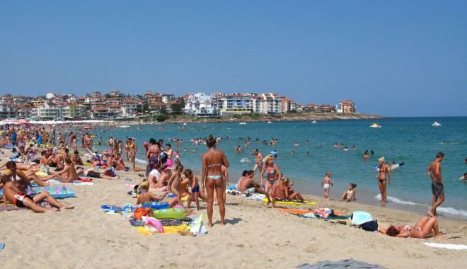 Foto: Alert� pe plaja din Costiine�ti!
