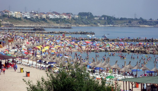 Foto: Cine a pus mâna pe plajele româneşti