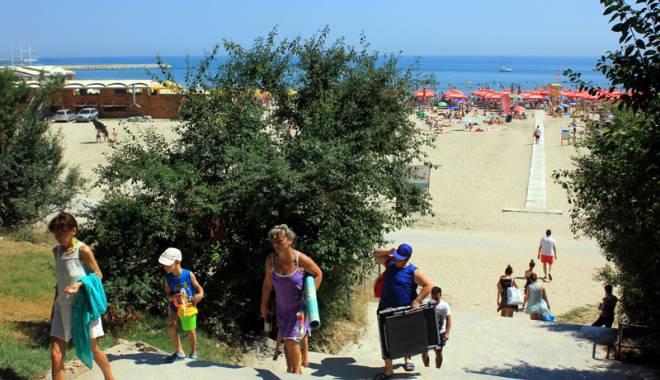 Foto: Galerie foto. Plaja Modern, drumul ruşinii şi al indiferenţei!