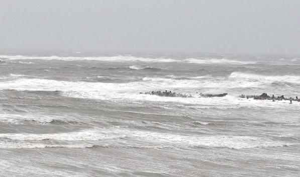 Foto: Atenţionare meteo: Intensificări ale vântului în zona de larg a Mării Negre