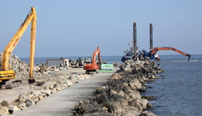 Plaje ca-n Malibu, în Mamaia şi Eforie. A început construcţia digurilor submerse - plajecalamalibu-1420479067.jpg