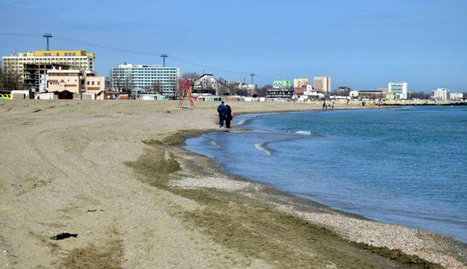 Foto: Plajele, pregătite pentru minivacanţa de 1 Mai