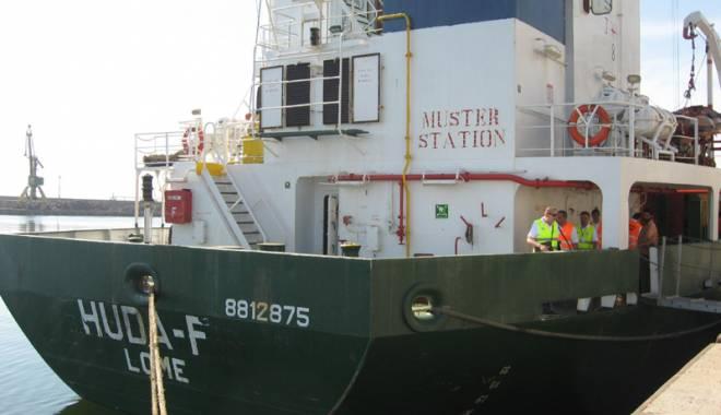Foto: Plata salariilor la bordul navelor este împiedicată de statul român