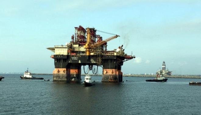 """Foto: Gigantul """"Scarabeo 9"""" a acostat în portul Constanţa"""