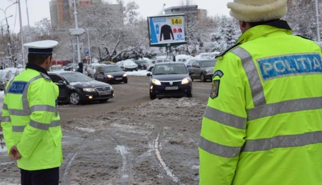 Foto: Plecaţi cu maşina la drum lung?  Iată ce vă recomandă Poliţia