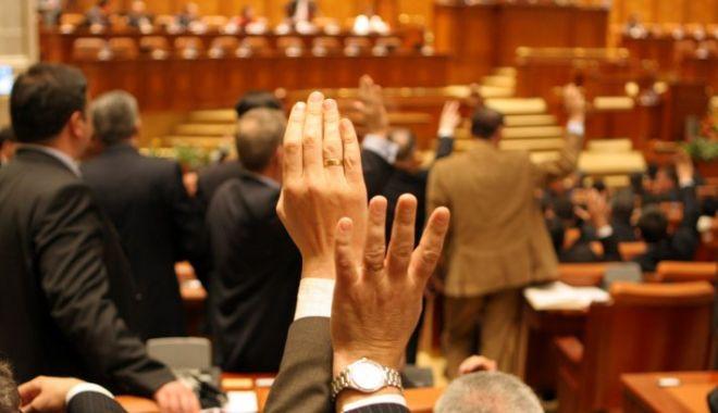 Foto: Sesiunea parlamentară începe fără proiectul de buget