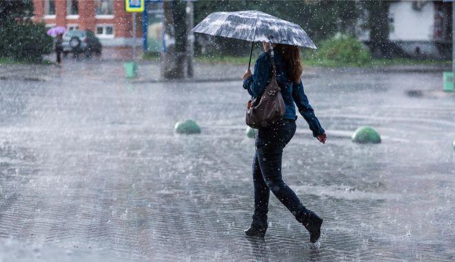Foto: Ploi slabe, astăzi, la Constanţa