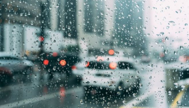 Vreme rece în weekend. Temperaturile nu vor depăși nicăieri 16 grade - ploaie-1555089278.jpg