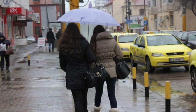 Foto: Vreme instabilă şi câteva ploi slabe, astăzi, la Constanţa