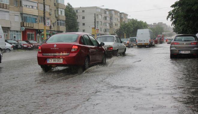 PLOAIE LA CONSTANŢA! Ce spun meteorologii despre vremea de la malul mării - ploaie1457867439-1543218052.jpg