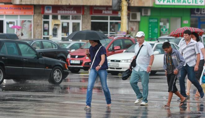 ANM / CONSTANȚA a intrat sub un nou COD GALBEN de PLOI TORENȚIALE și FURTUNĂ - ploaiebaltiinundatii21-1375282187.jpg