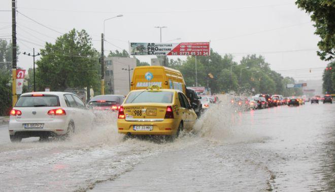 COD GALBEN de PLOI TORENȚIALE, la Constanța - ploaietorentialabaltoci20-1592292947.jpg