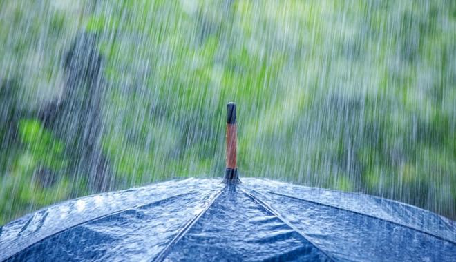 Foto: Ploi şi temperaturi scăzute, astăzi şi mâine, la Constanţa