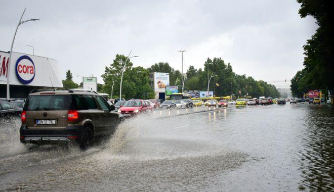 Foto: Vremea instabilă şi astăzi, la Constanţa