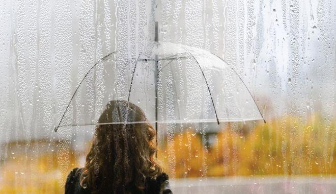 ANM, avertizări generale de Cod portocaliu și galben pentru aproape jumătate din țară - ploi-1634202413.jpg