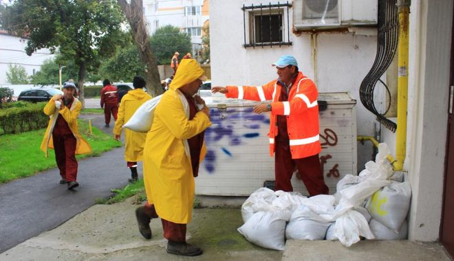 Primăria Constanța, pregătită pentru ploile anunțate. Unde puteți suna în caz de nevoie - ploiabundenteundesunati-1570220687.jpg