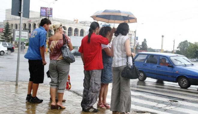 Foto: Ploaie şi maxime de 22 de grade Celsius, astăzi, la Constanţa