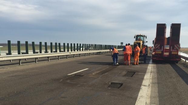 Foto: Şoferi, atenţie! Lucrări pe Autostrada Soarelui!