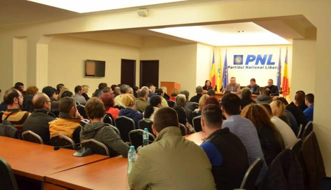 Foto: Aproximativ 200 de membri au plecat  din MP Constanţa şi s-au înscris în PNL