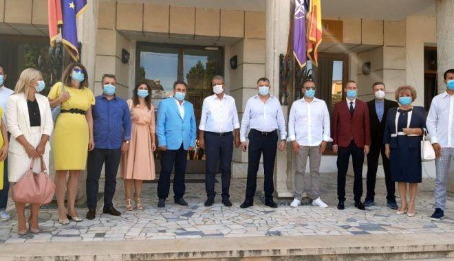 Foto: PNL Constanța și-a înregistrat oficial candidaturile.