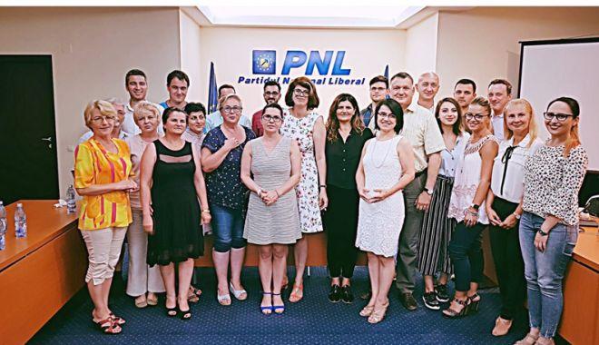 Foto: Liberalii din Constanța iau lecții pentru a învăța cum să comunice eficient