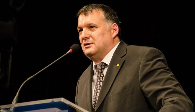 """Foto: """"Nu permitem cuplului Dragnea - Tăriceanu  să vorbească în numele parlamentarilor PNL"""""""