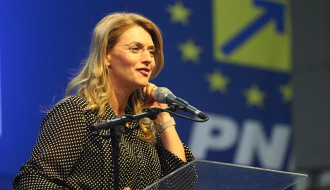 Foto: Liberala  Alina Gorghiu:  PNL ar putea depune moţiune  de cenzură