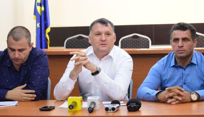 """Foto: PNL Constanța dă startul campaniei """"Orașul poartă semnătura ta"""".  În ce constă proiectul"""