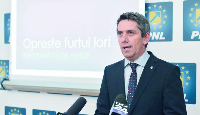 Foto: PNL reacționează: Tăierea fondurilor Administraţiei Prezidenţiale, o acţiune de sabotare a diplomaţiei