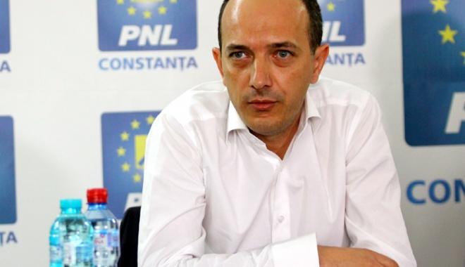 """Foto: Deputatul Robert Boroianu, despre Guvernul Tudose: 'Acest Guvern va intra în istorie ca o adunătură de tâlhari"""""""