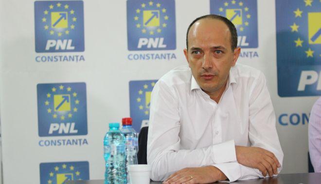 Deputatul Robert Boroianu, de la PNL, solicită demisia ministrului Agriculturii - pnlrobertboroianu10-1536163876.jpg