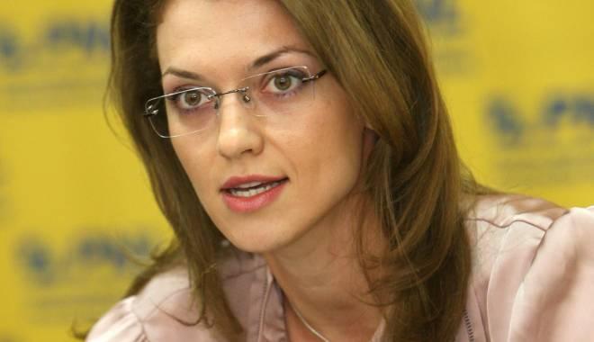 """Foto: Alina Gorghiu se suceşte: """"Preşedinţii de organizaţii să candideze la locale"""""""