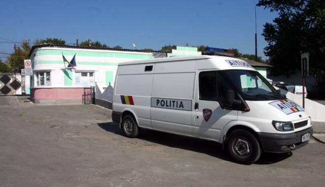 O zi în penitenciar pentru elevii din Constanța - poartaalbapenitenciarintrare1-1418755041.jpg